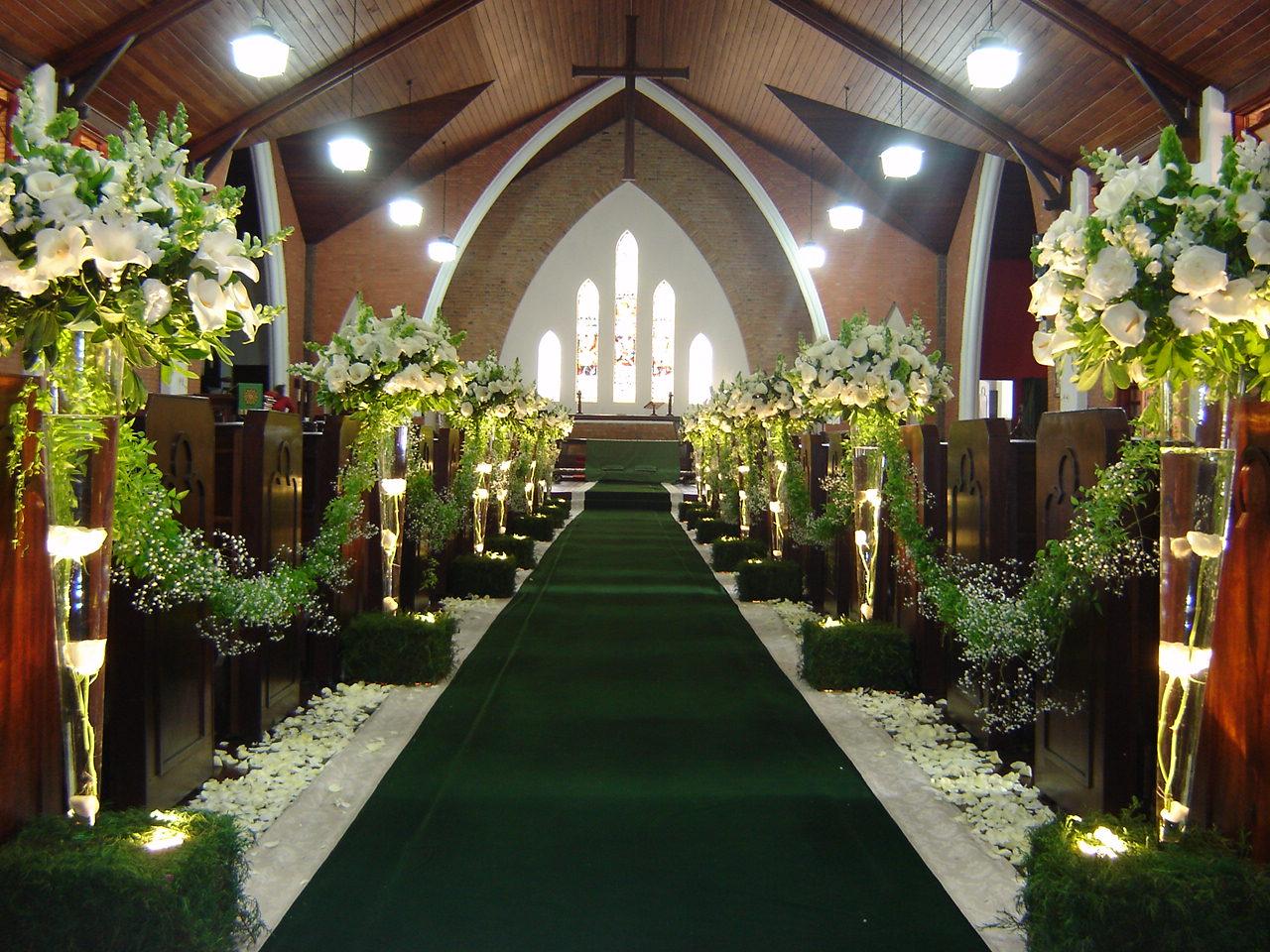 decoração-da-igreja-casamento-14