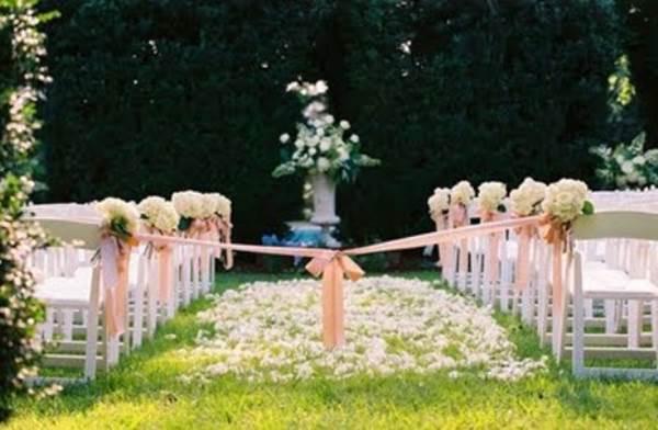 503627-As-flores-são-indispensáveis-na-decoração-das-festas-de-casamento-ao-ar-livre-Fotodivulgação.