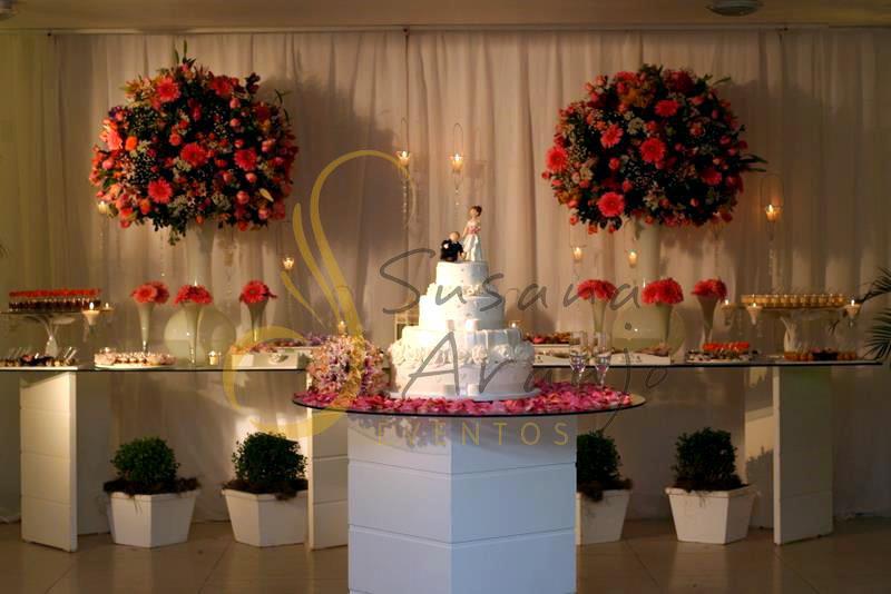 decoração-da-mesa-de-bolo-casamento-19