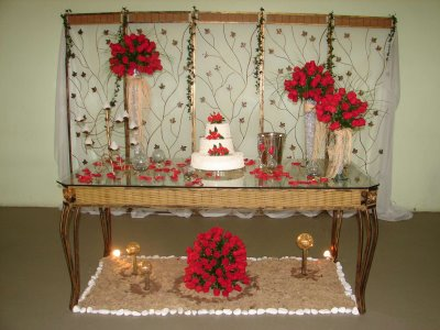 decoração-da-mesa-de-bolo-casamento-2