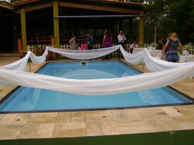 decoração-da-piscina-para-casamento-13