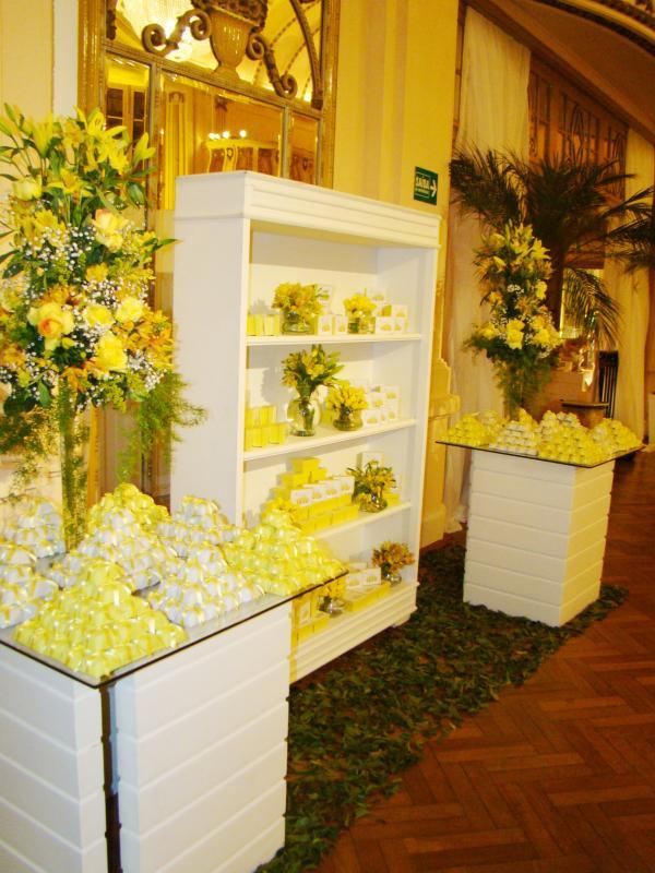 foto-decoracao-amarela-casamento-5