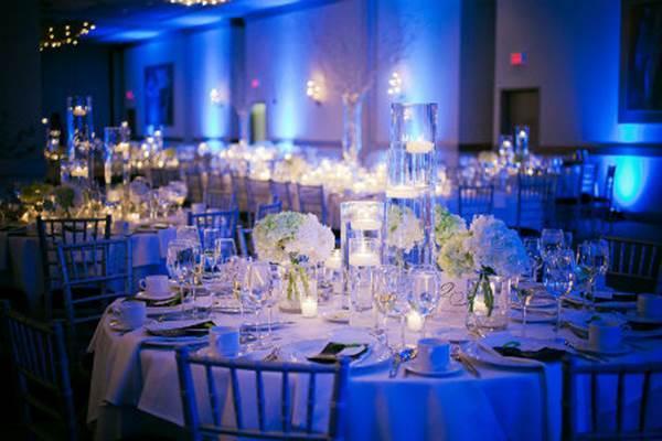 decoracao-de-casamento-azul-e-branco-iluminacao