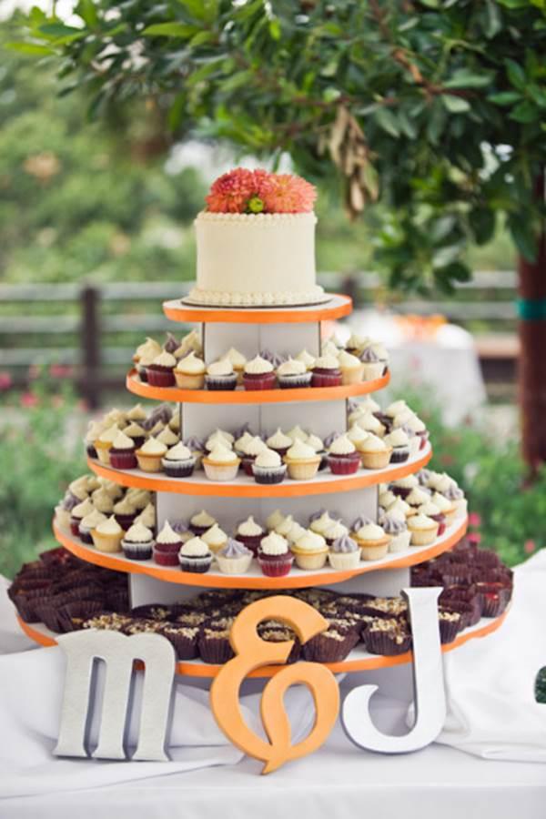 bolo-de-cupcake-para-casamento-30