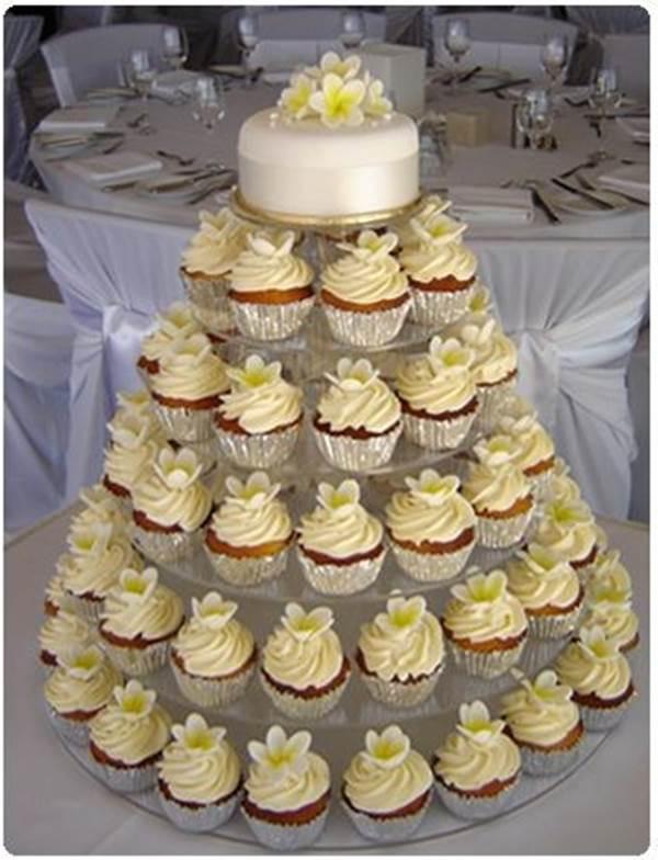 bolo-de-cupcake-para-casamento-32