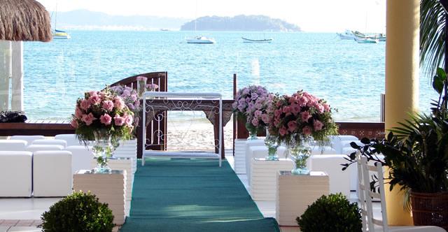 Foto-decoração-de-casamento-na-praia-2