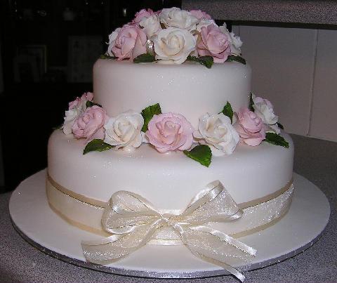 bolos-decorados-de-casamento-simples-1