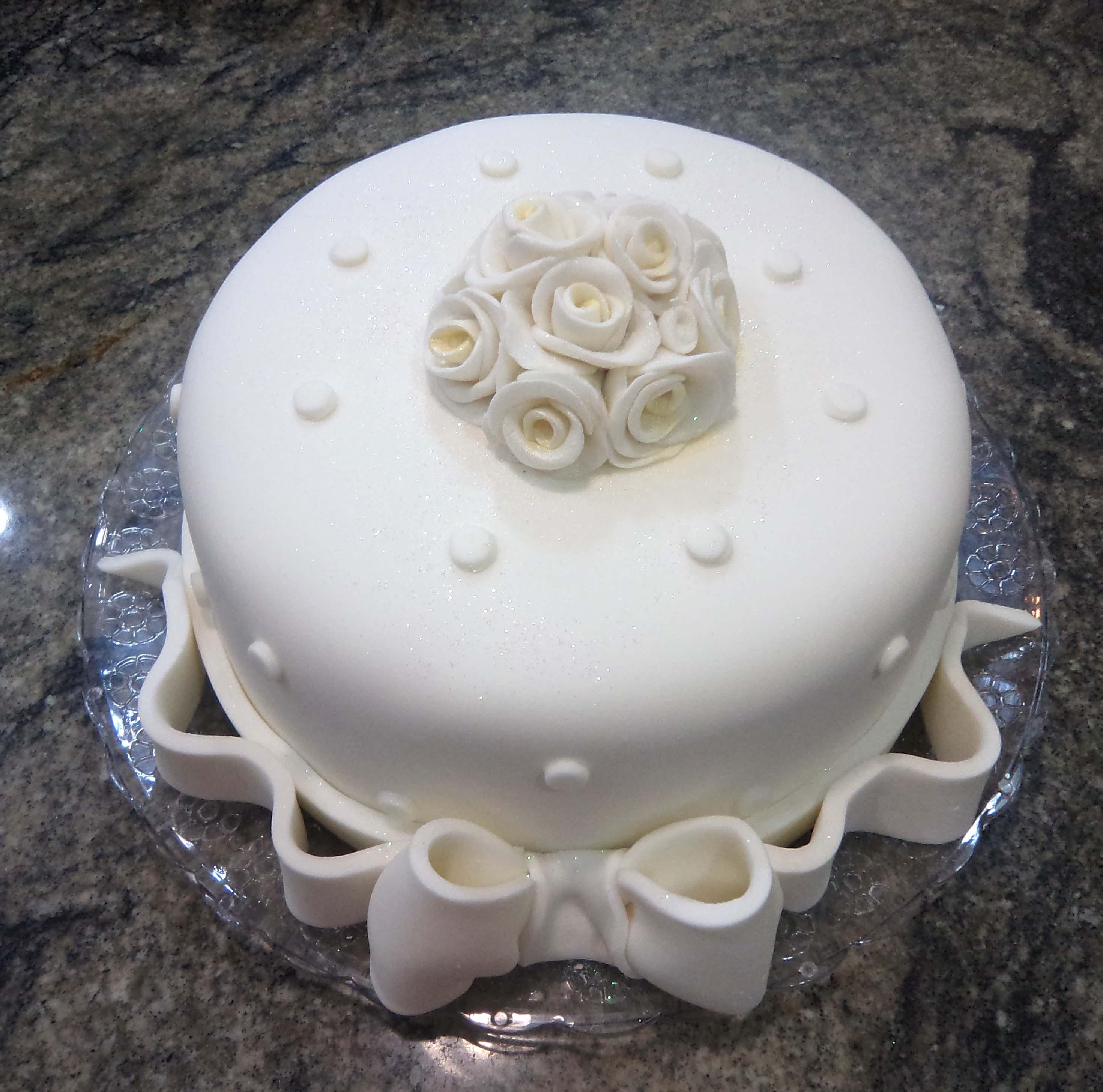 bolos-decorados-de-casamento-simples-14