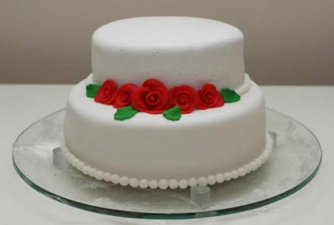 bolos-decorados-de-casamento-simples-9