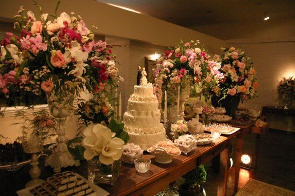 Decoração com Flores para Casamento