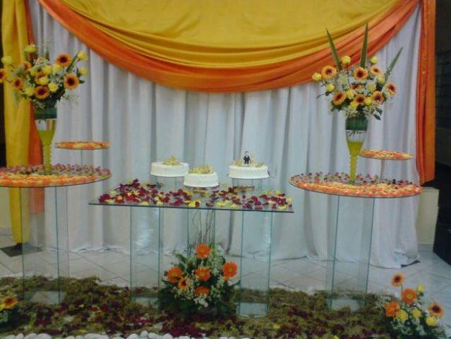 mesas-de-bolo-decoradas-para-casamento-simples-1