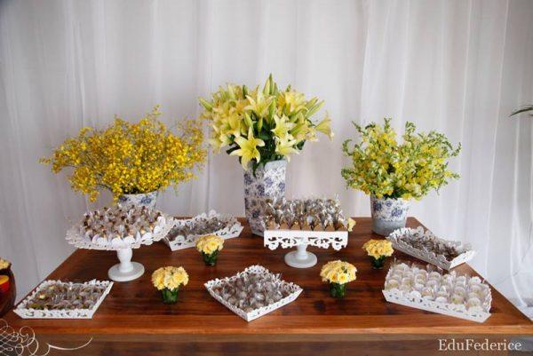 Mesas de bolo decoradas para casamento simples