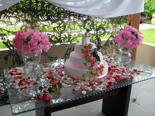 Mesas de bolo decoradas para casamento simples u2013 Fotos de Casamentos # Decoração De Mesa De Bolo Casamento Simples