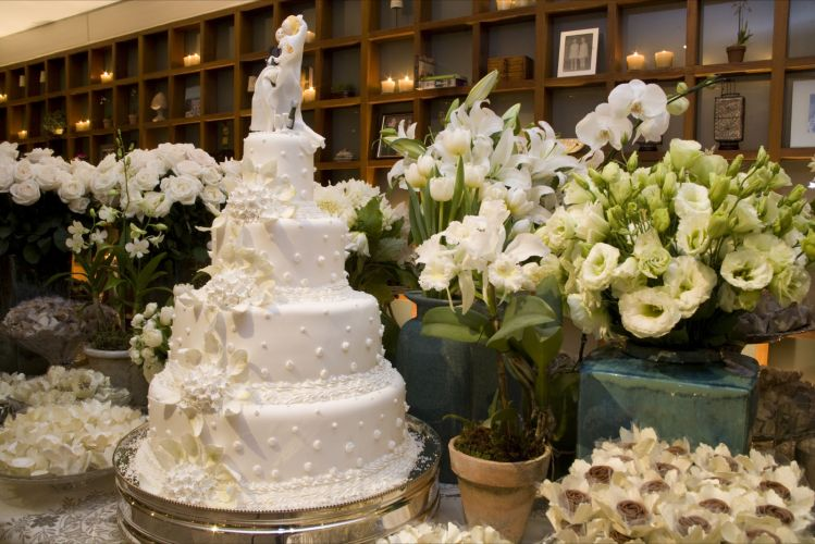 mesas-de-bolo-decoradas-para-casamento-simples-19
