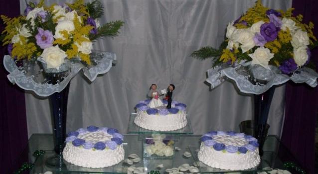 mesas-de-bolo-decoradas-para-casamento-simples-2