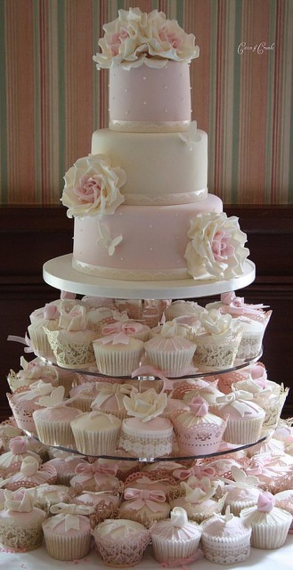 mesas-de-casamento-decoradas-com-cupcakes-14