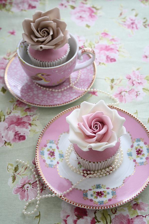 mesas-de-casamento-decoradas-com-cupcakes-17
