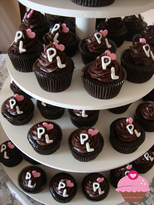 mesas-de-casamento-decoradas-com-cupcakes-4