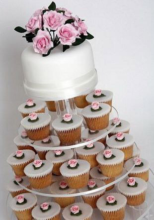 mesas-de-casamento-decoradas-com-cupcakes-9