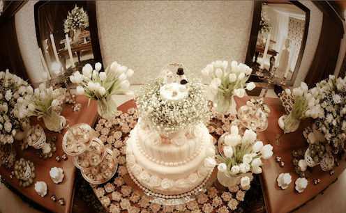 mesas-de-casamento-decoradas-com-mini-bolos-10