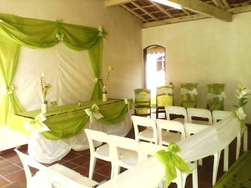 mesas-de-casamento-decoradas-com-tnt-10
