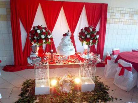mesas-de-casamento-decoradas-com-tnt-18