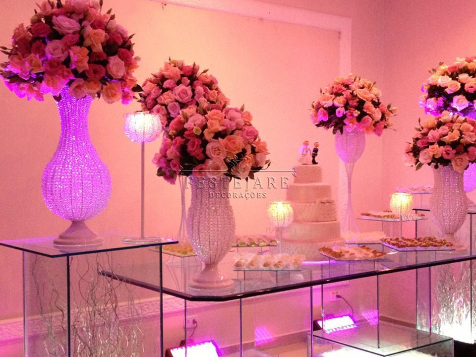 mesas-de-casamento-decoradas-com-vasos-de-flores-11