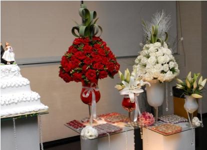 mesas-de-casamento-decoradas-com-vasos-de-flores-20