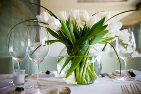 mesas-de-casamento-decoradas-com-vasos-de-flores-5