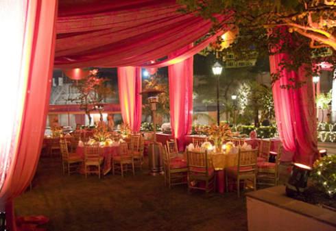 espaco-festa-casamento-vermelho-dourado