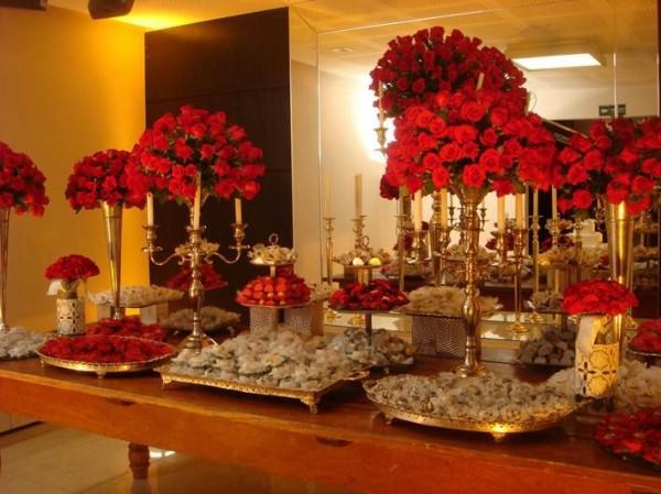 mesa-doces-casamento-vermelho-dourado