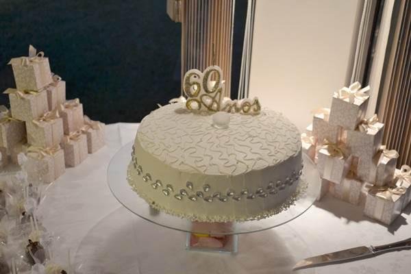 bolo-para-bodas-de-diamante-11