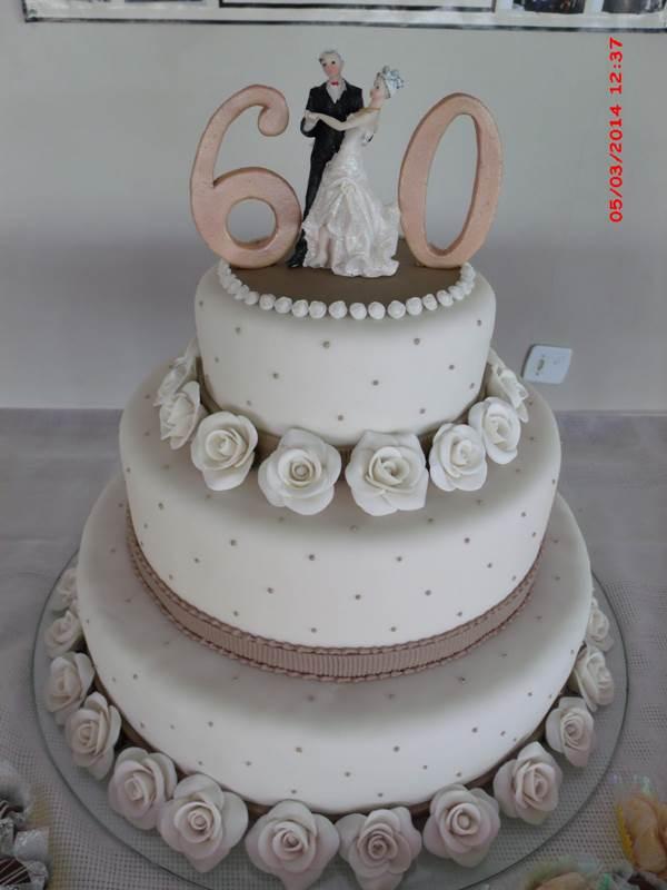bolo-para-bodas-de-diamante-31