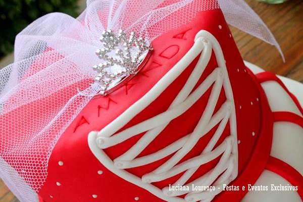 bolo-para-cha-de-lingerie-29